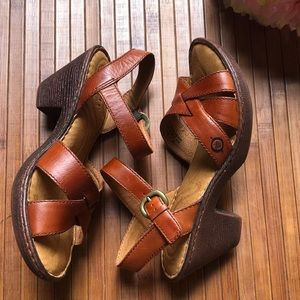 Born Hand Crafted Wood & Leather Sandal's Size 6